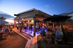 THE BLUE POINT Restaurant in Duck, NC photo