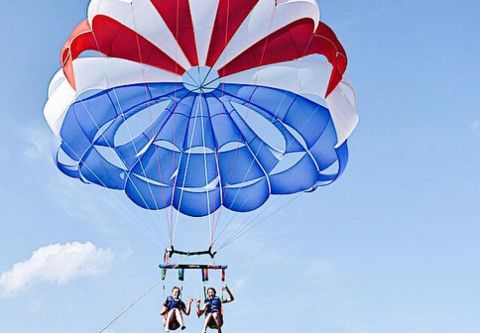 Nor'Banks Sailing Center, Parasailing